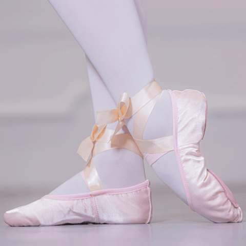 Ribbon Attached Satin Dancing Shoes for Ballet
